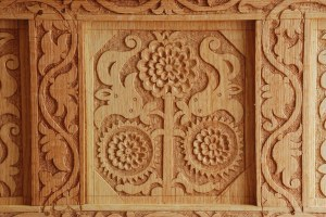detail center panel chest with drawers