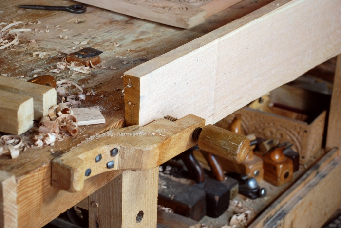 bench screw in use