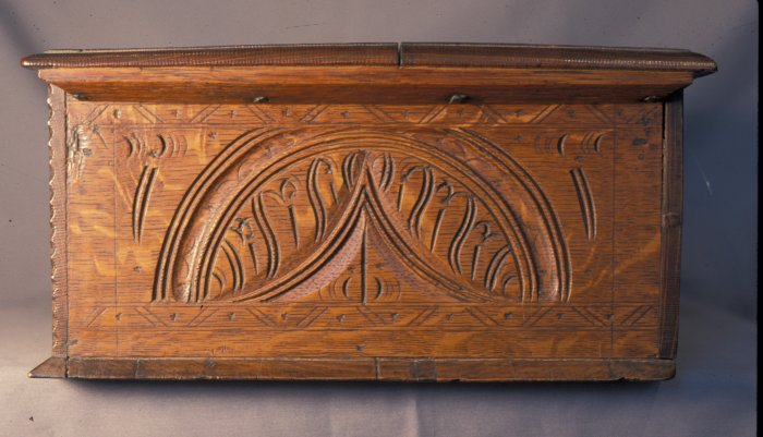 Jn Savell box, side carving