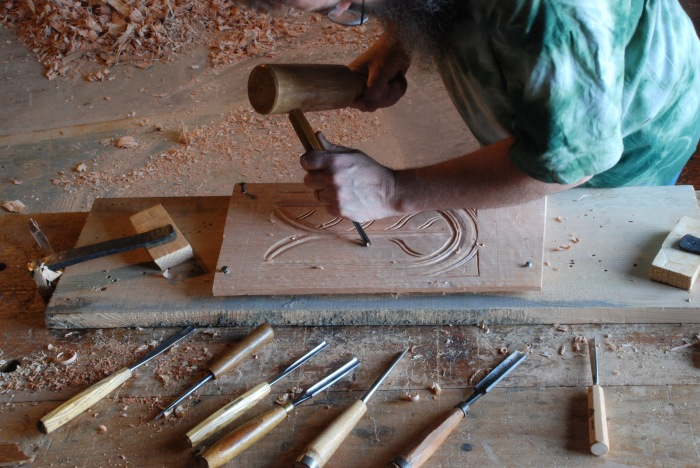 nails & holdfasts secure panel for carving