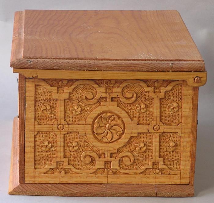 detail, box side