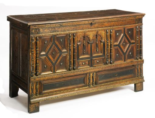 Plymouth Colony chest with 2 drawers