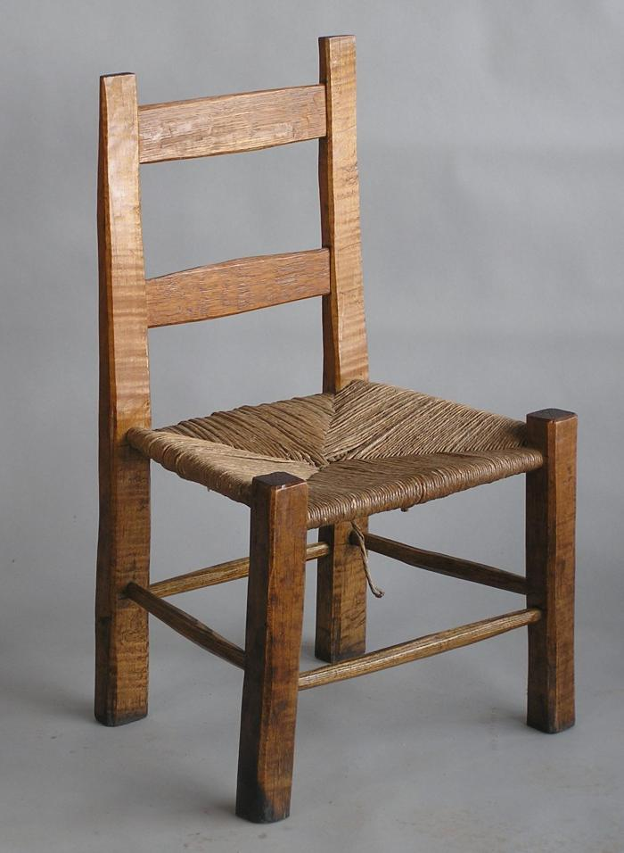 split bottom chair and pic