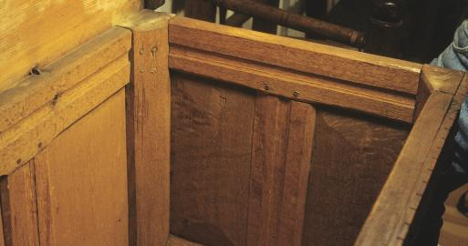 interior, Ply Col chest w drawers