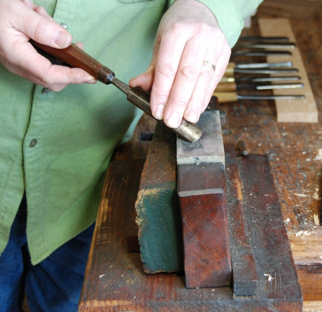 sharpening wood carving tools with sandpaper | nonchalant03spe