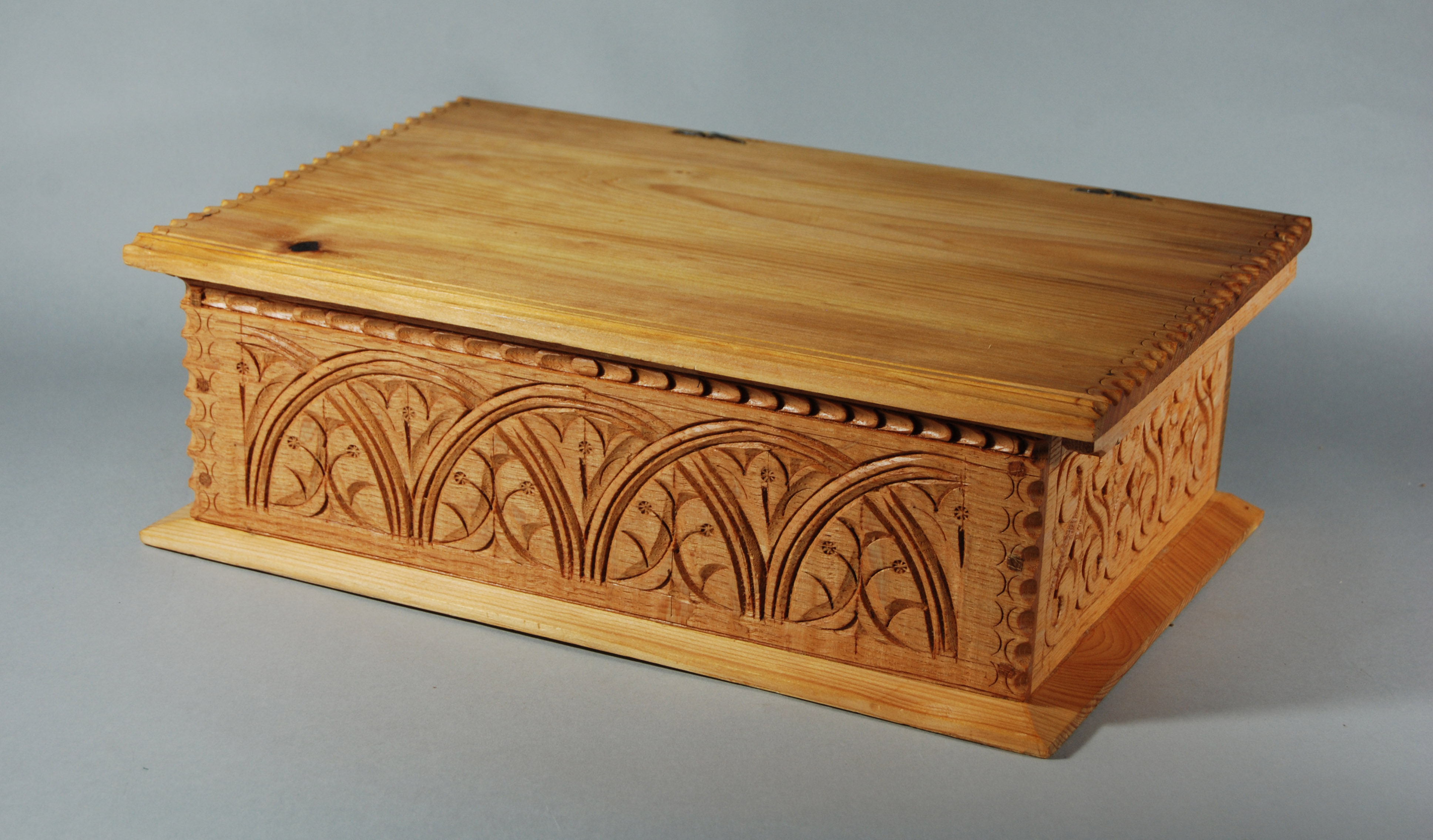 Classes carving box making peter follansbee