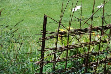 CW 12 garden fence