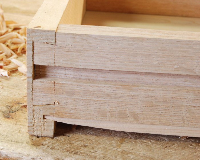 drawer detail incl bottom