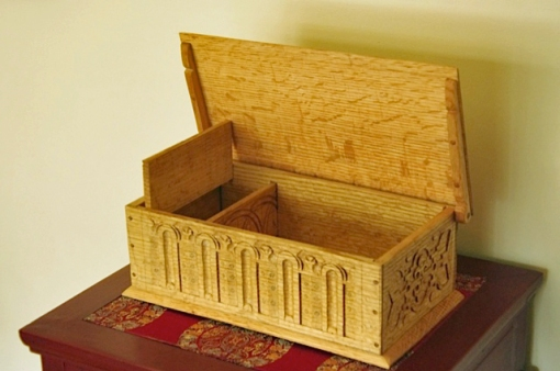 carved box, Dennis Liu