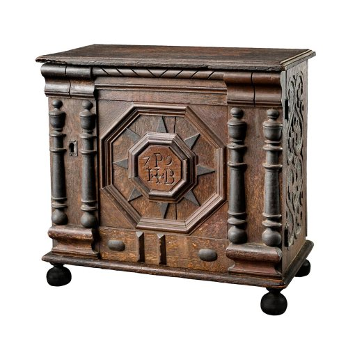 cabinet, Salem Massachusetts, 1679