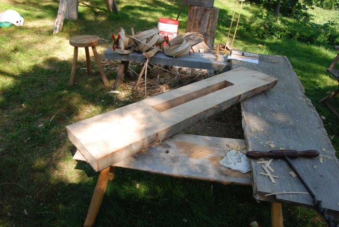 bench slot