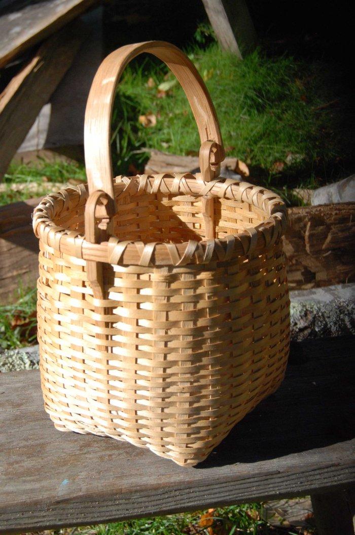 basket 14-01 swing handle up