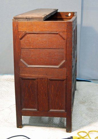 CHS chest w drawers