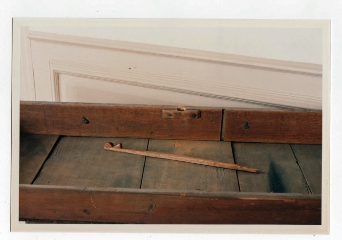 drawer interior w stick