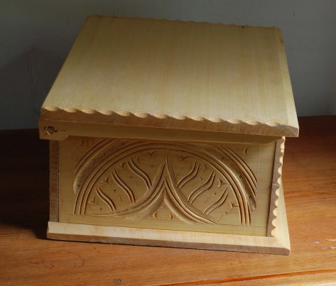 yellow cedar box side
