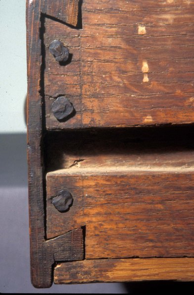 dt drawer w nails