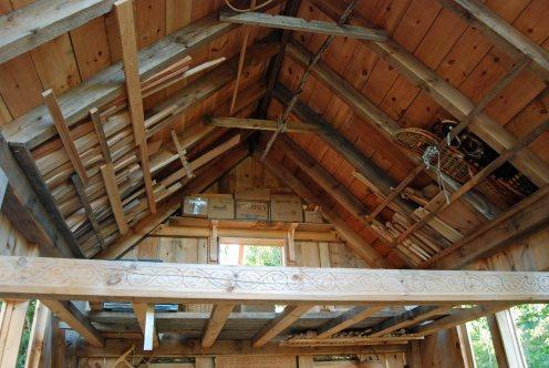 wood-strorage-loft