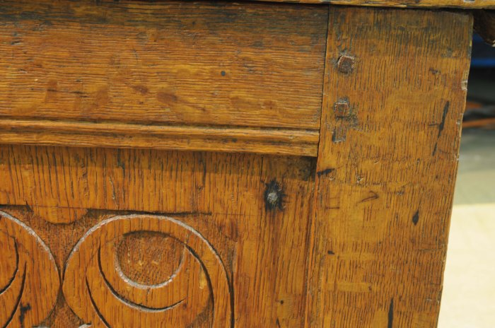 yale-195068-nail-in-panel