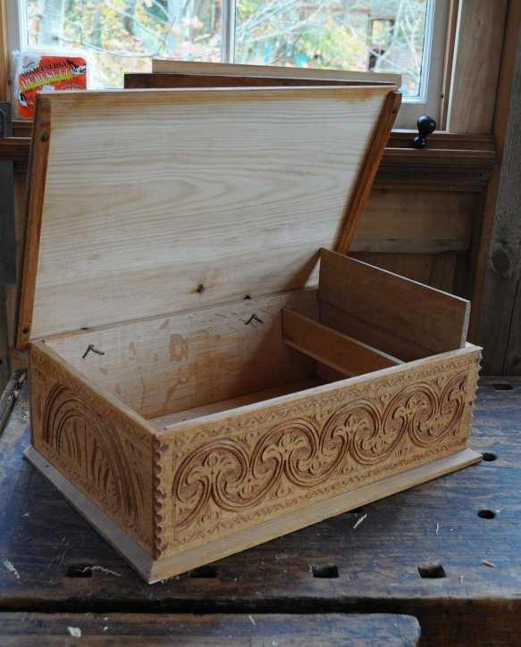 carved-box-open