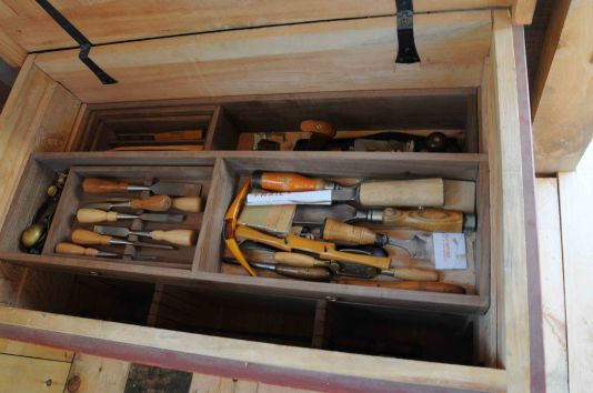 chisel-drawer